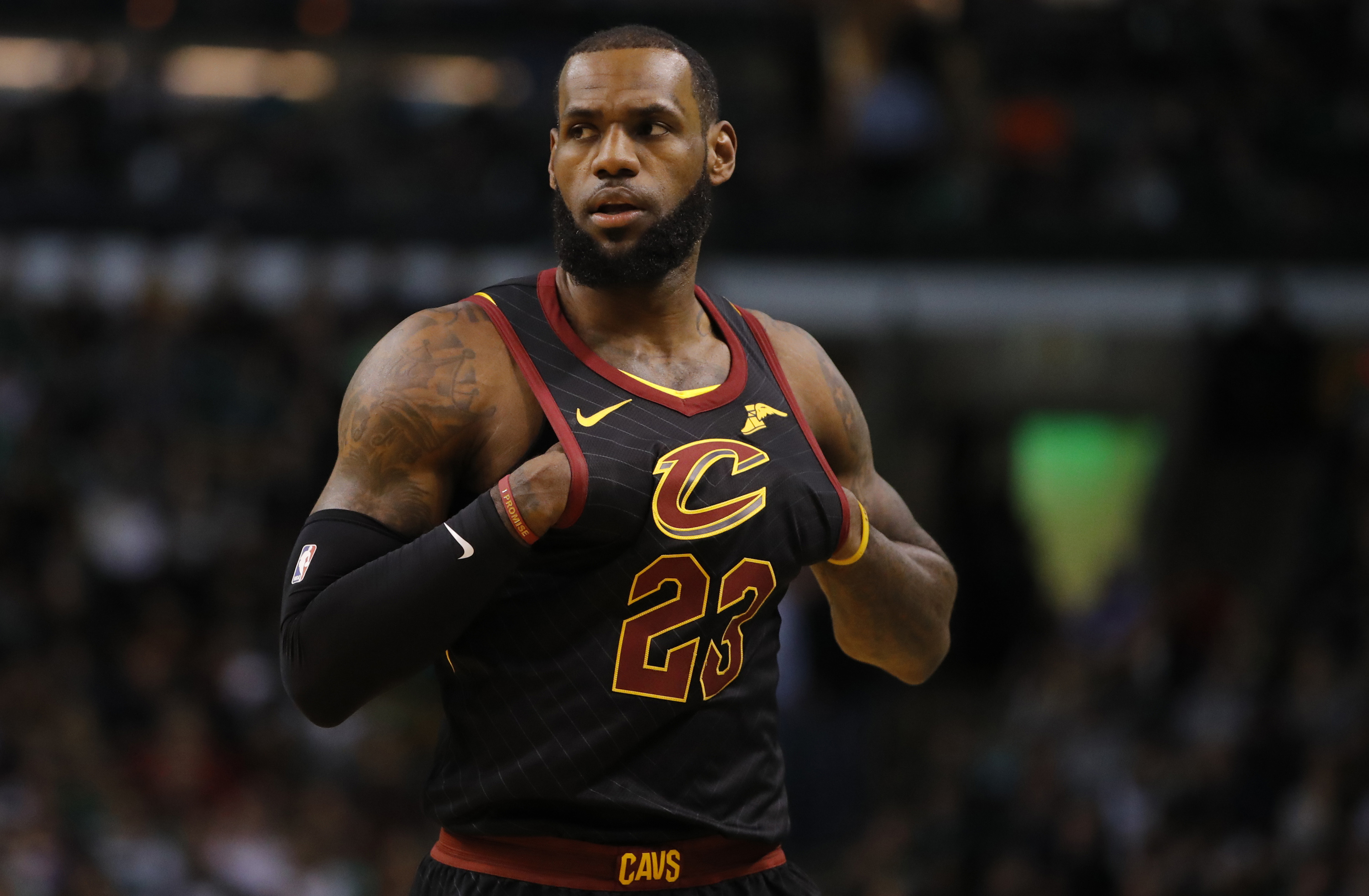81b1e695f2c5 Sleeves   http   soccertopnews.com wp-content uploads 2018 06 lebron-james-alt-reacts-celtics.jpg